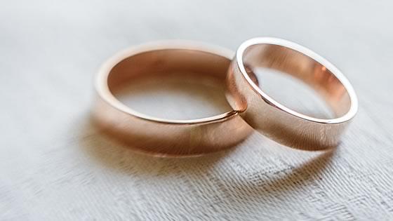 ペアの結婚指輪