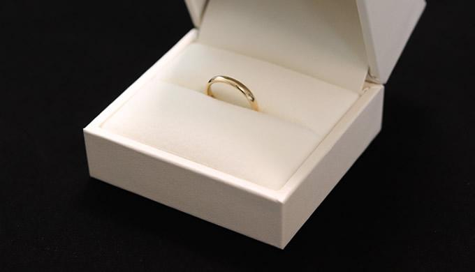 結婚指輪のアップ写真
